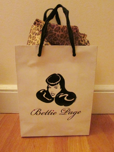 BettiePageClothingBag